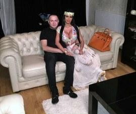 Leo and Ex-Girlfriend, Renata